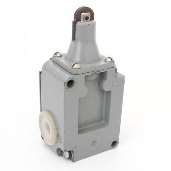 Выключатель путевой концевой ВПК-2111 БФУ2 - вид сзади